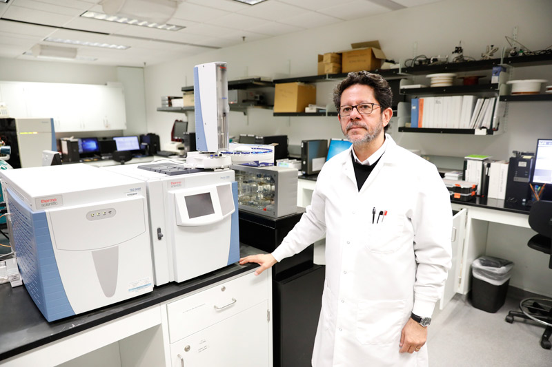 Igor Almeida, Ph.D., professor of biological sciences at The University of Texas at El Paso, will collaborate on a project that aims to understand the molecular mechanism by which T cells cause intense inflammation in patients with chronic Chagas disease. Photo: Ivan Pierre Aguirre / UTEP Communications