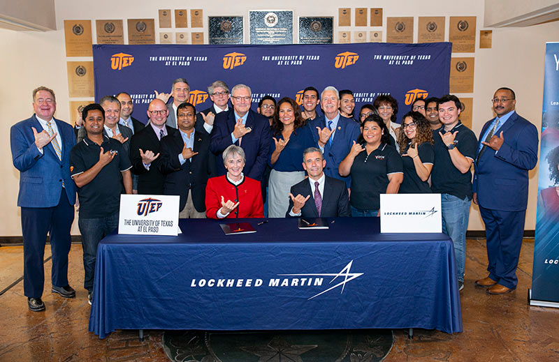 UTEP President Heather Wilson and Lockheed Martin Missiles and Fire Control Vice President of Engineering & Technology Travis Coomer signed a Memorandum of Agreement today that will employ UTEP students as interns with Lockheed Martin in El Paso. Photo: Ivan Pierre Aguirre / UTEP Communications