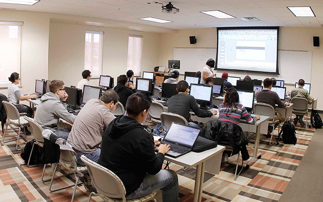 The University of Texas at El Paso is launching a new program – the Microsoft Teacher Computer Science Academy – to increase the number of high school students who take computing courses by increasing the number of computer science teachers, with financial support from Microsoft Corp. Microsoft will fund 14 full scholarships this year for high school math or computer and technology education (CTE) teachers to become qualified to teach computer science at high schools in the El Paso region. Photo: Ivan Pierre Aguirre / UTEP Communications